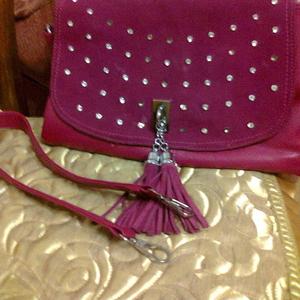 красивая сумка цвета фуксии